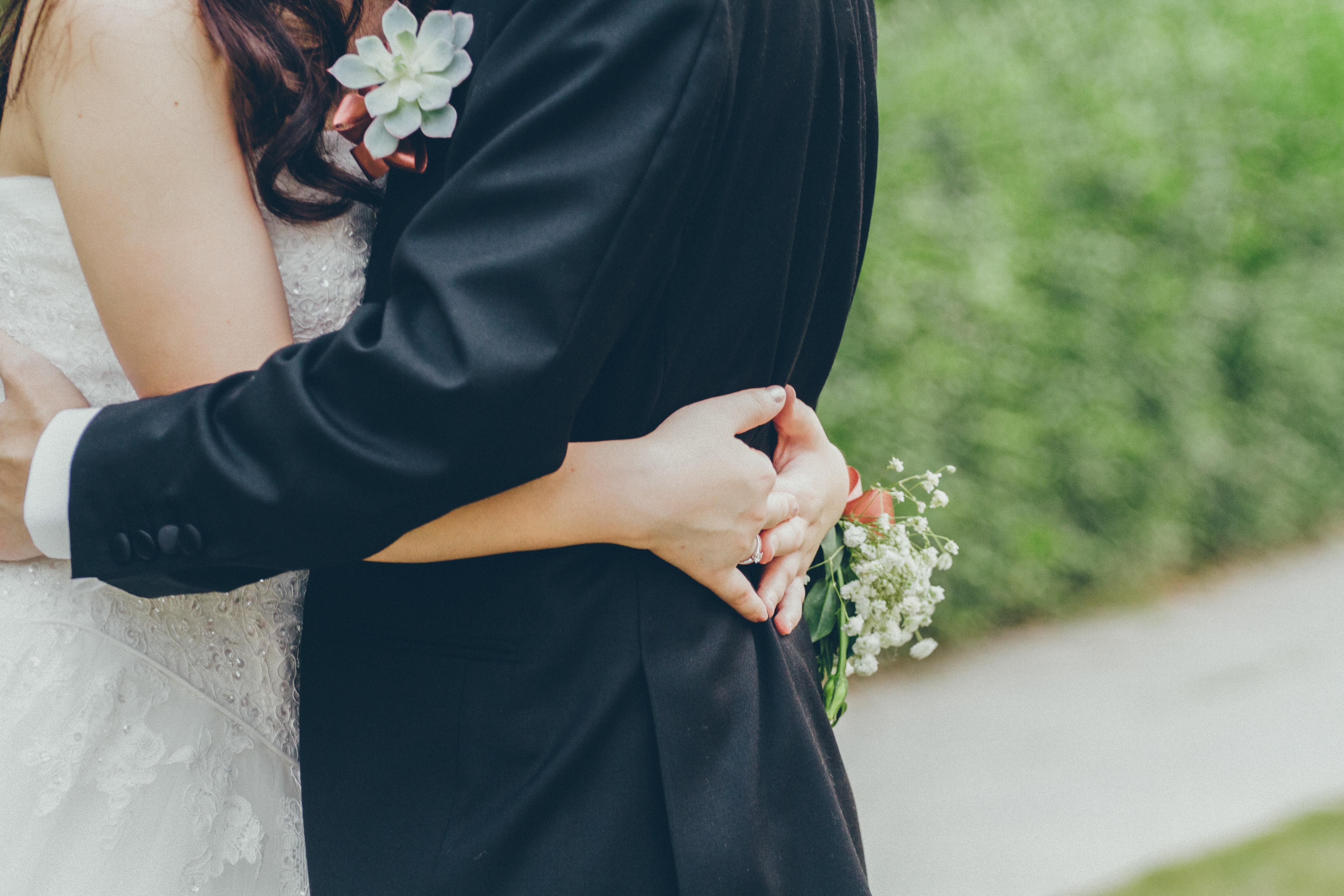 affection-blur-bridal-1023233